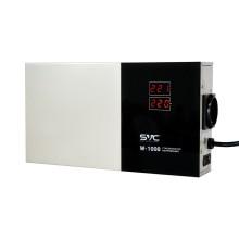Стабилизатор (AVR), SVC, W-1000, Мощность 1000ВА/1000Вт, LED-дисплей, Диапазон работы AVR: 140-260В, Вых.: 220В+/-7%, 1 х Shcuko, Кабель питания: 1,35м, Габариты: 290*160*65, Черно-белый
